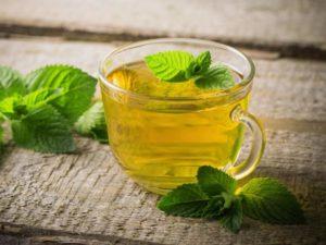 lemon tea to lighten dark lips